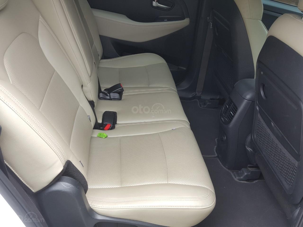 Bán Kia Rondo GAT 2.0AT màu trắng, máy xăng, số tự động, sản xuất 2018, đi 23000km (5)