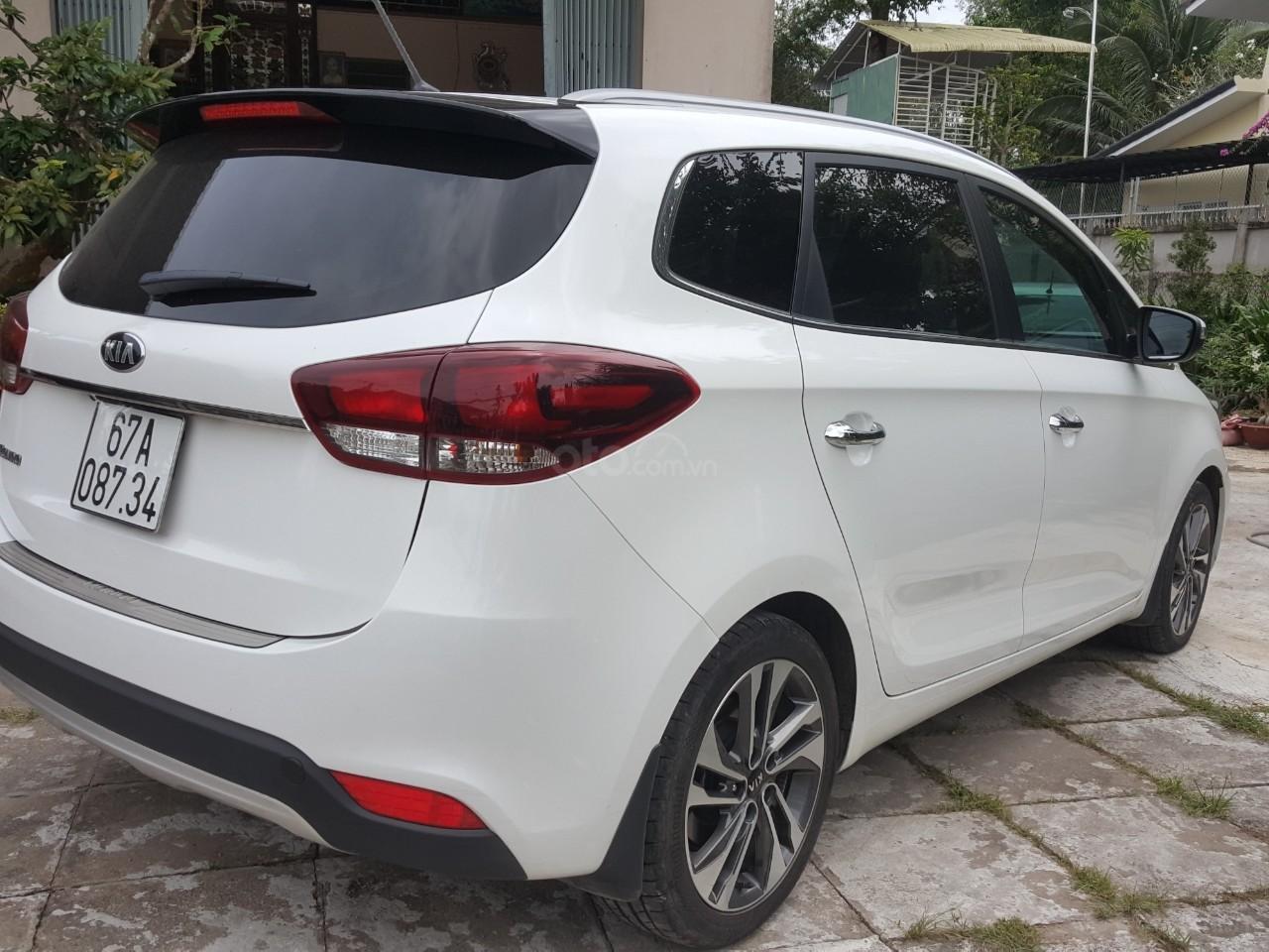 Bán Kia Rondo GAT 2.0AT màu trắng, máy xăng, số tự động, sản xuất 2018, đi 23000km (7)