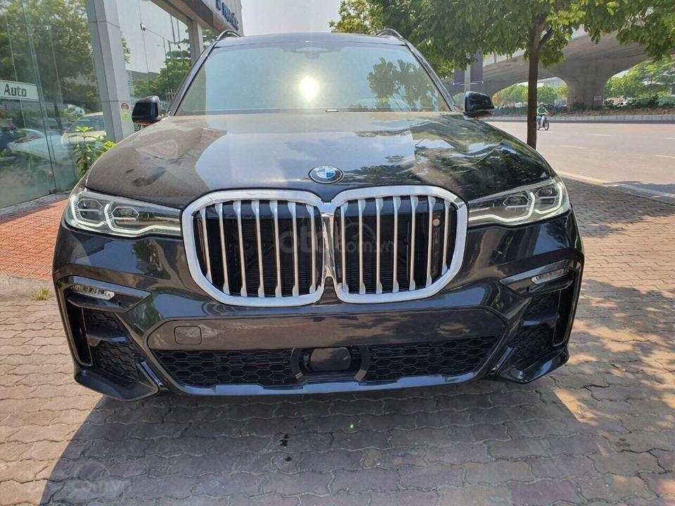 Bán BMW X7 xDriver 40i M-Sport đen model 2020 new 100% - xe sẵn giao ngay (3)