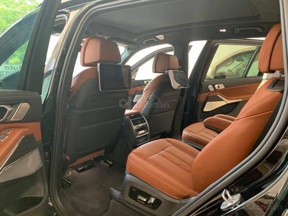 Bán BMW X7 xDriver 40i M-Sport đen model 2020 new 100% - xe sẵn giao ngay (10)
