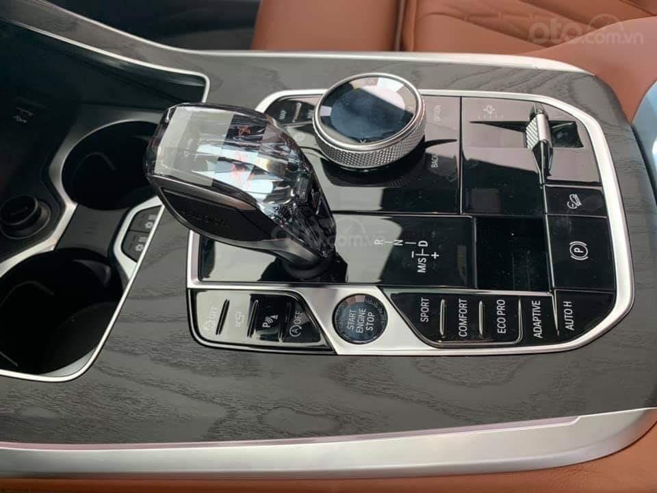 Bán BMW X7 xDriver 40i M-Sport đen model 2020 new 100% - xe sẵn giao ngay (8)