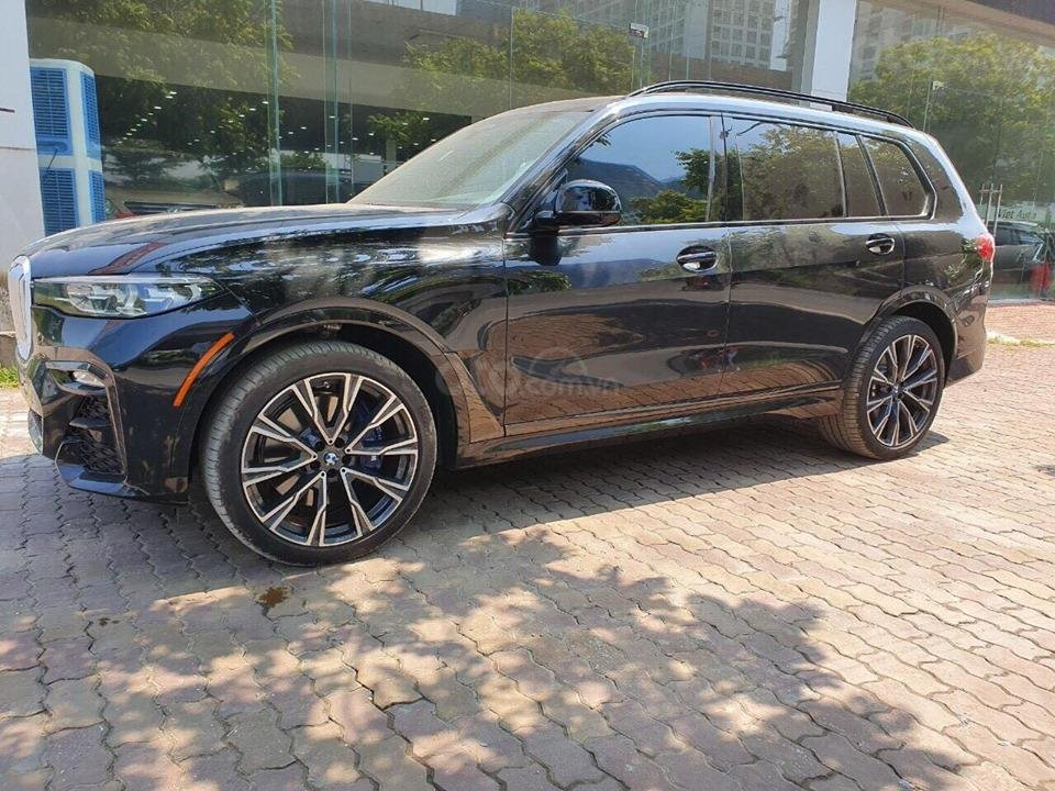Bán BMW X7 xDriver 40i M-Sport đen model 2020 new 100% - xe sẵn giao ngay (13)