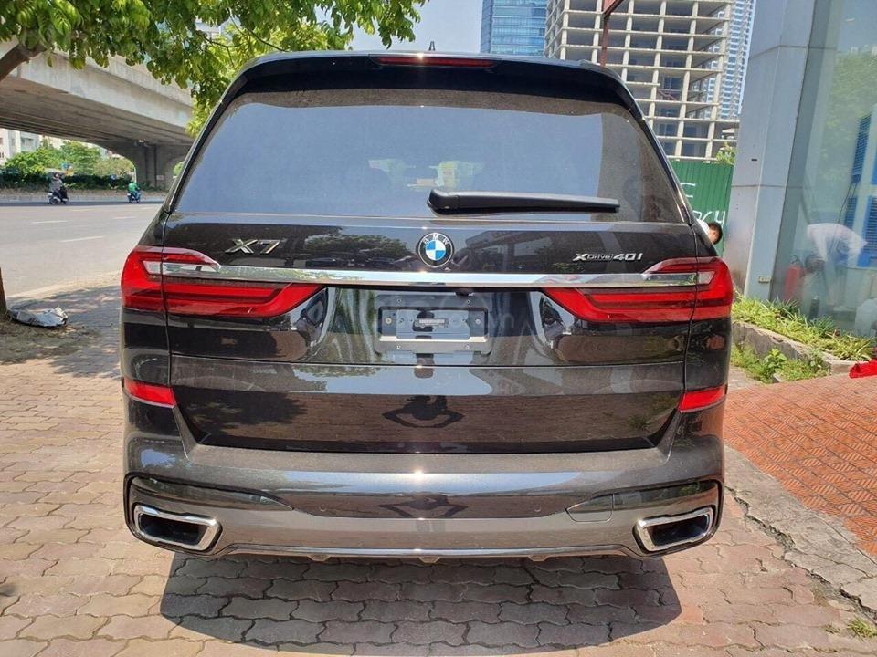 Bán BMW X7 xDriver 40i M-Sport đen model 2020 new 100% - xe sẵn giao ngay (14)