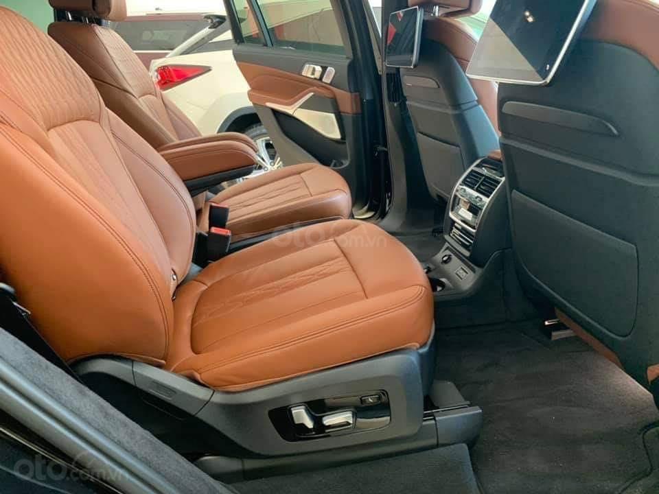 Bán BMW X7 xDriver 40i M-Sport đen model 2020 new 100% - xe sẵn giao ngay (9)