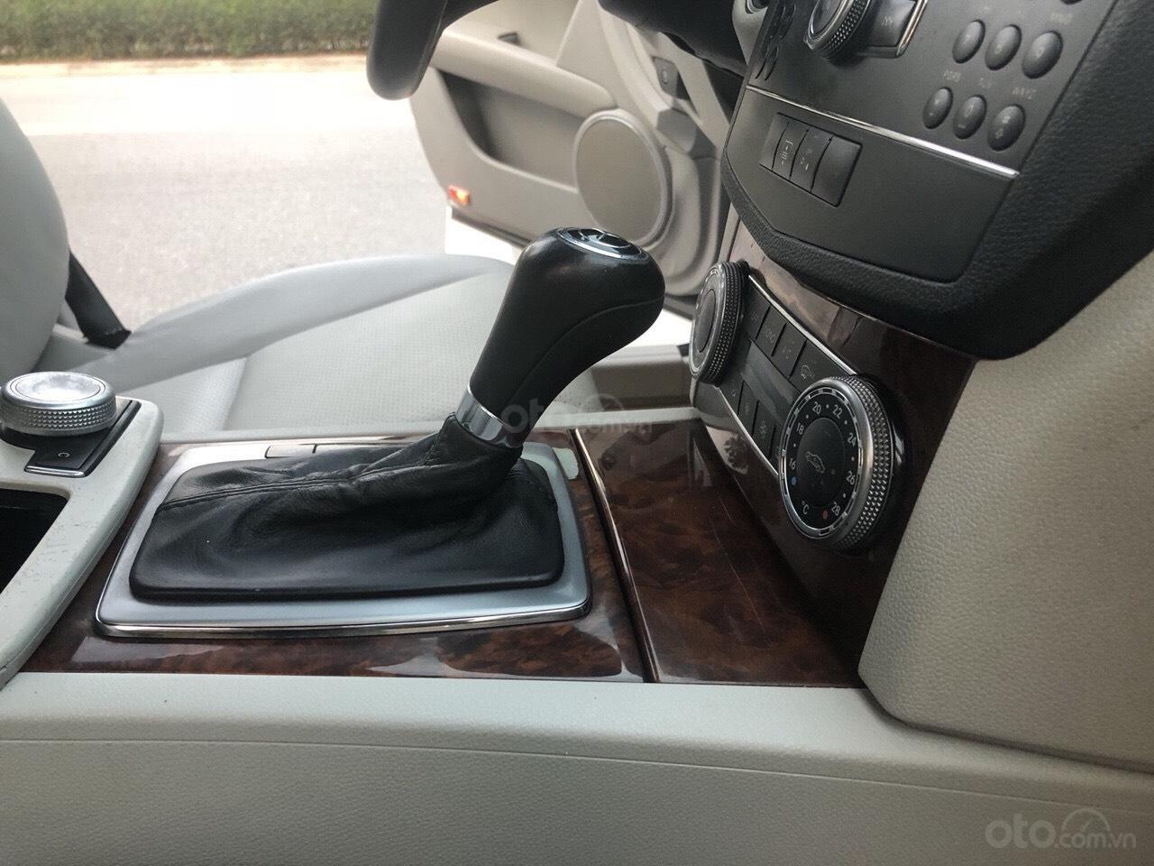Cần bán Mercedes C200 đời 2009, màu xám, xe đẹp xuất sắc (8)