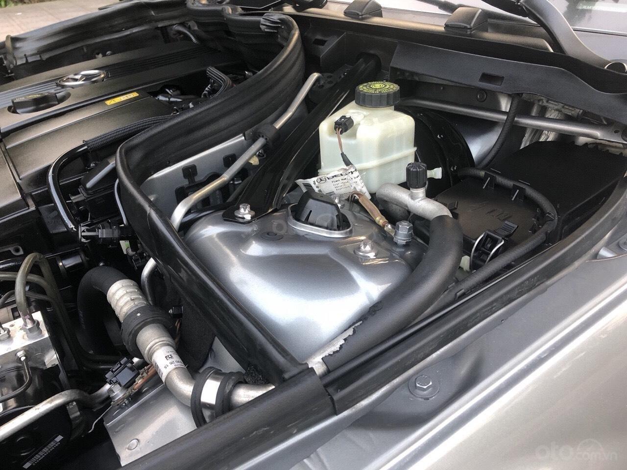Cần bán Mercedes C200 đời 2009, màu xám, xe đẹp xuất sắc (1)