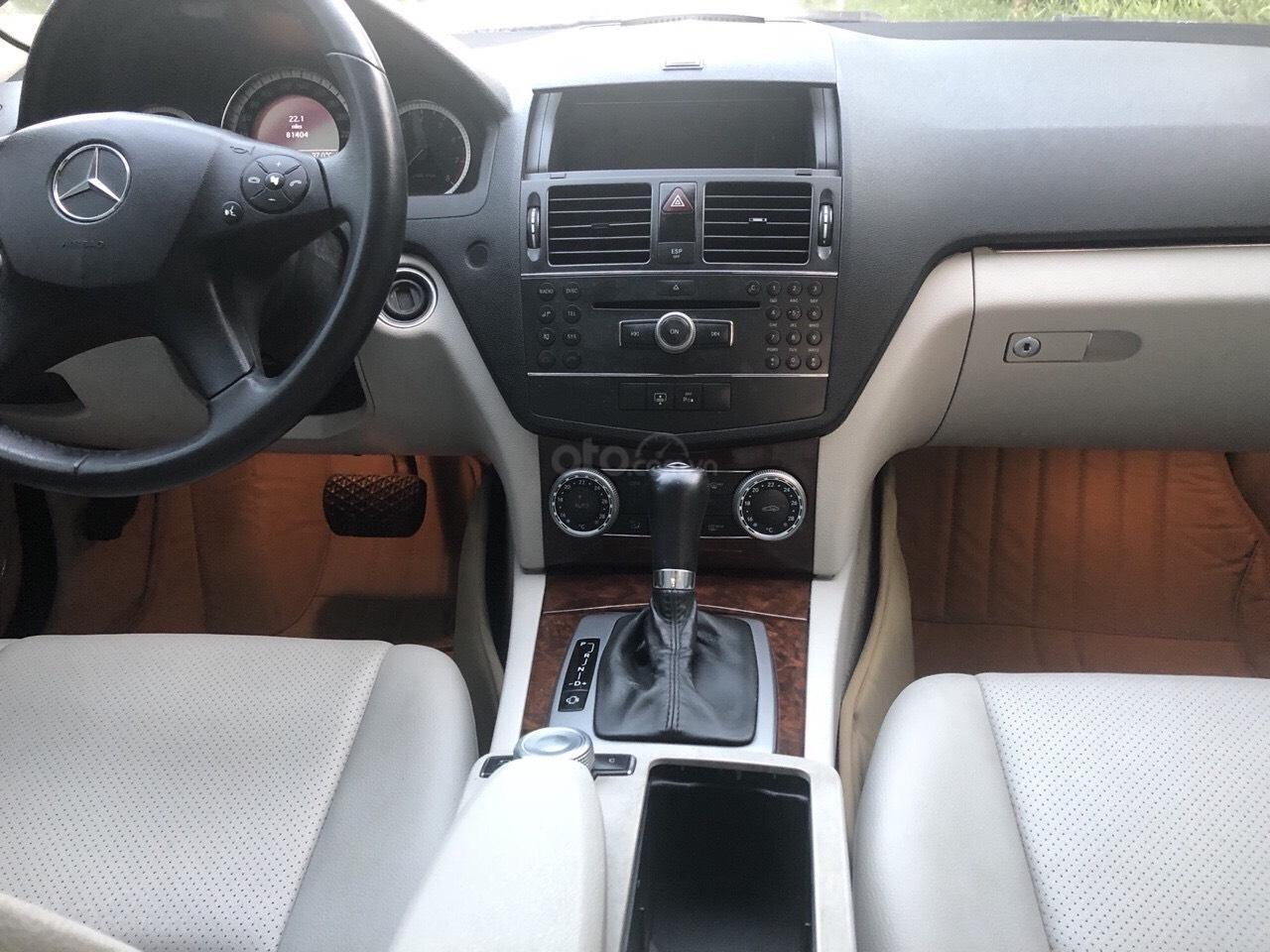 Cần bán Mercedes C200 đời 2009, màu xám, xe đẹp xuất sắc (10)