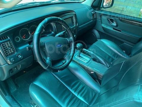 Cần bán Ford Escape XLT năm 2011, màu trắng, chính chủ (4)
