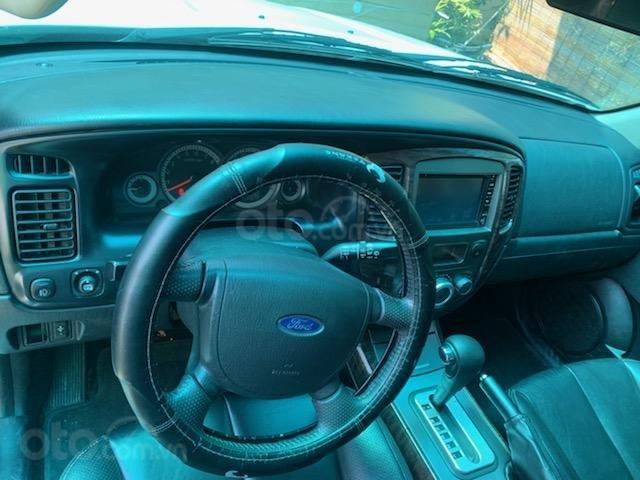 Cần bán Ford Escape XLT năm 2011, màu trắng, chính chủ (9)
