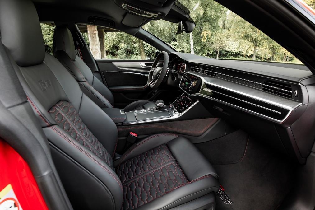 Đánh giá xe Audi RS7 2020 về nội thất.