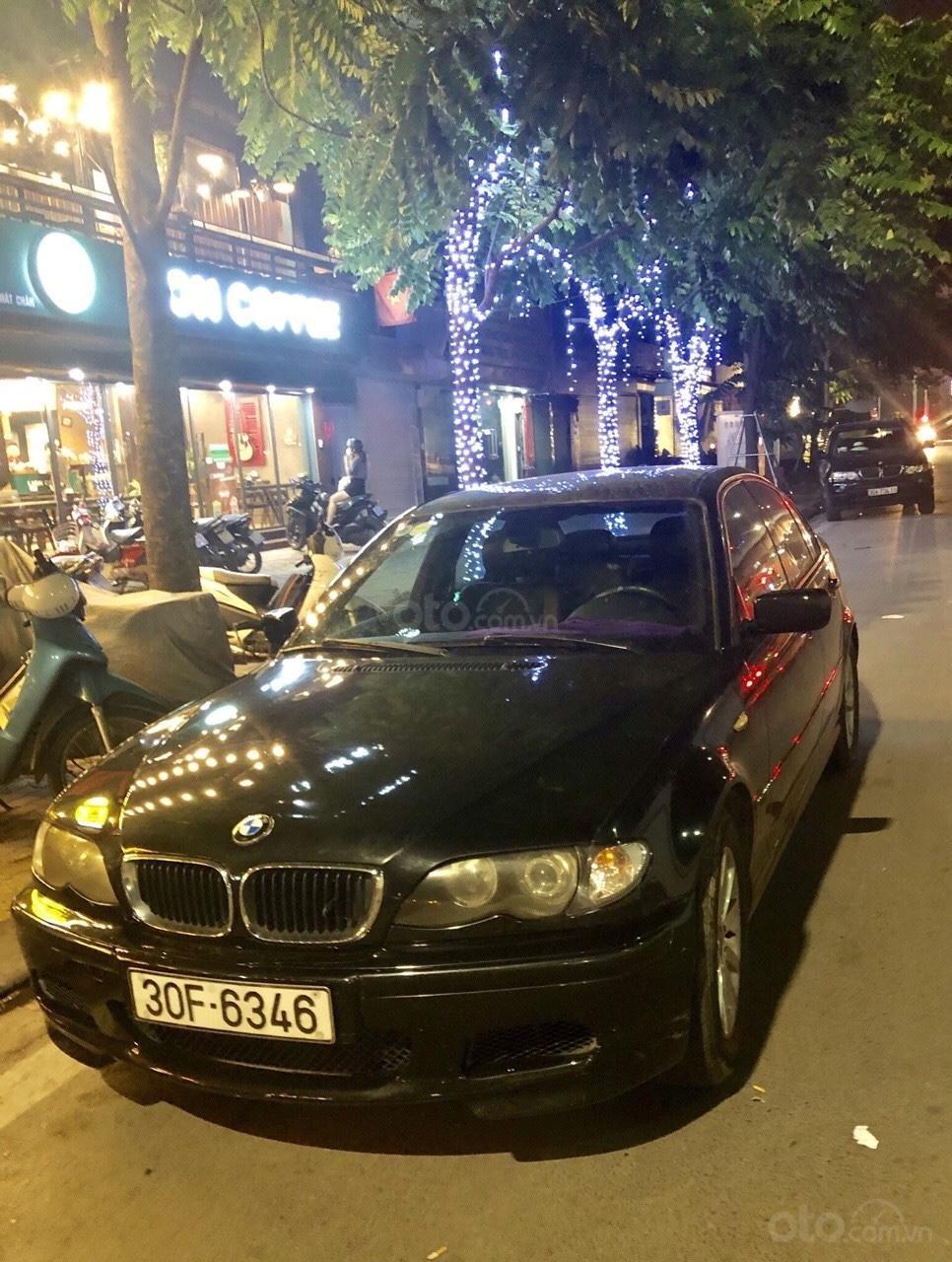 Cần tiền bán gấp xe BMW 318i (1)