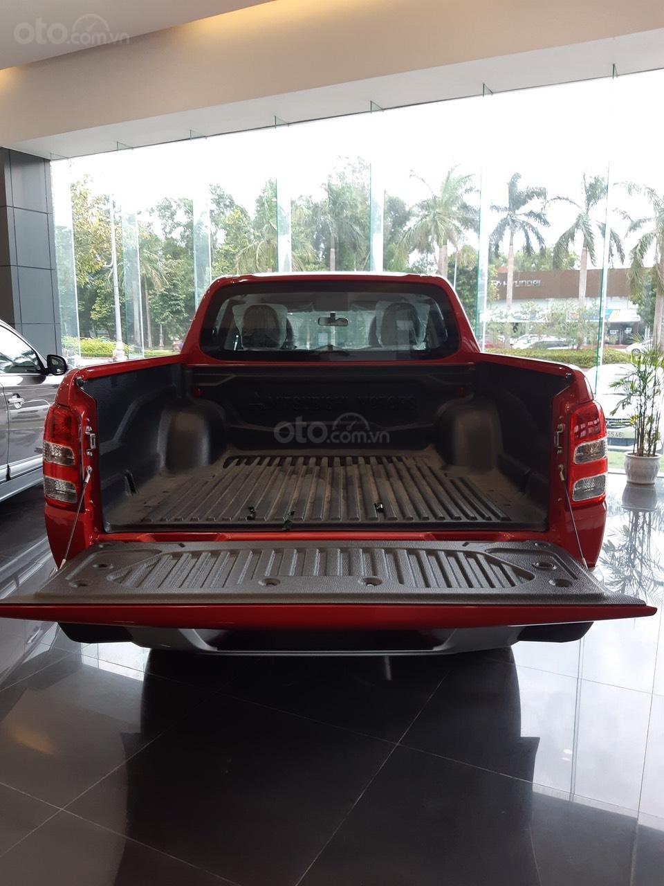 Cần bán Mitsubishi Triton 4x2 MT đời 2019, màu đỏ, nhập khẩu (3)