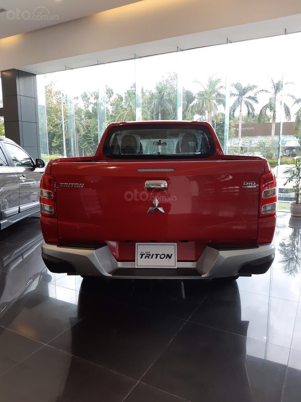 Cần bán Mitsubishi Triton 4x2 MT đời 2019, màu đỏ, nhập khẩu (4)