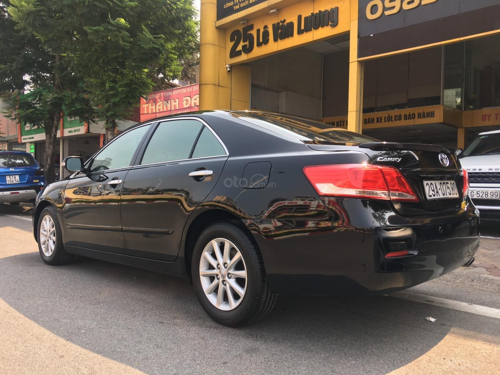 Cần bán xe Toyota Camry 2.0E sản xuất năm 2010, màu đen, xe nhập (5)