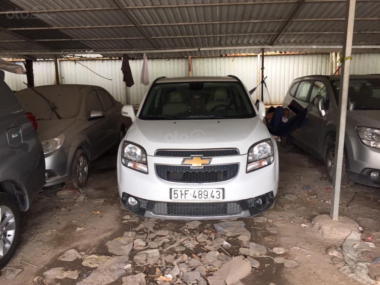 Cần bán xe Chevrolet Orlando năm sản xuất 2017, màu trắng, giá 410tr (1)