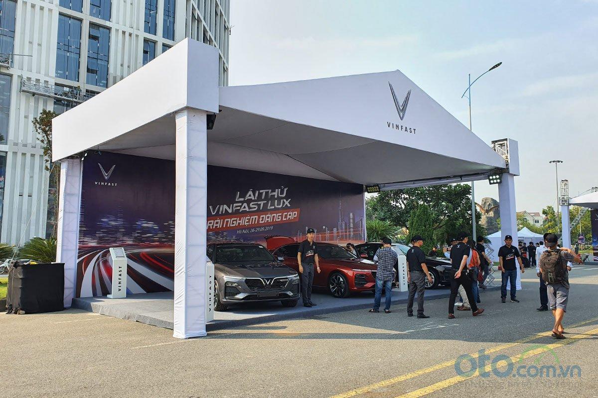 VinFast công bố mức giá mới cho hai dòng xe Lux SA2.0 và Lux A2.0, áp dụng từ ngày 1/10/2019.