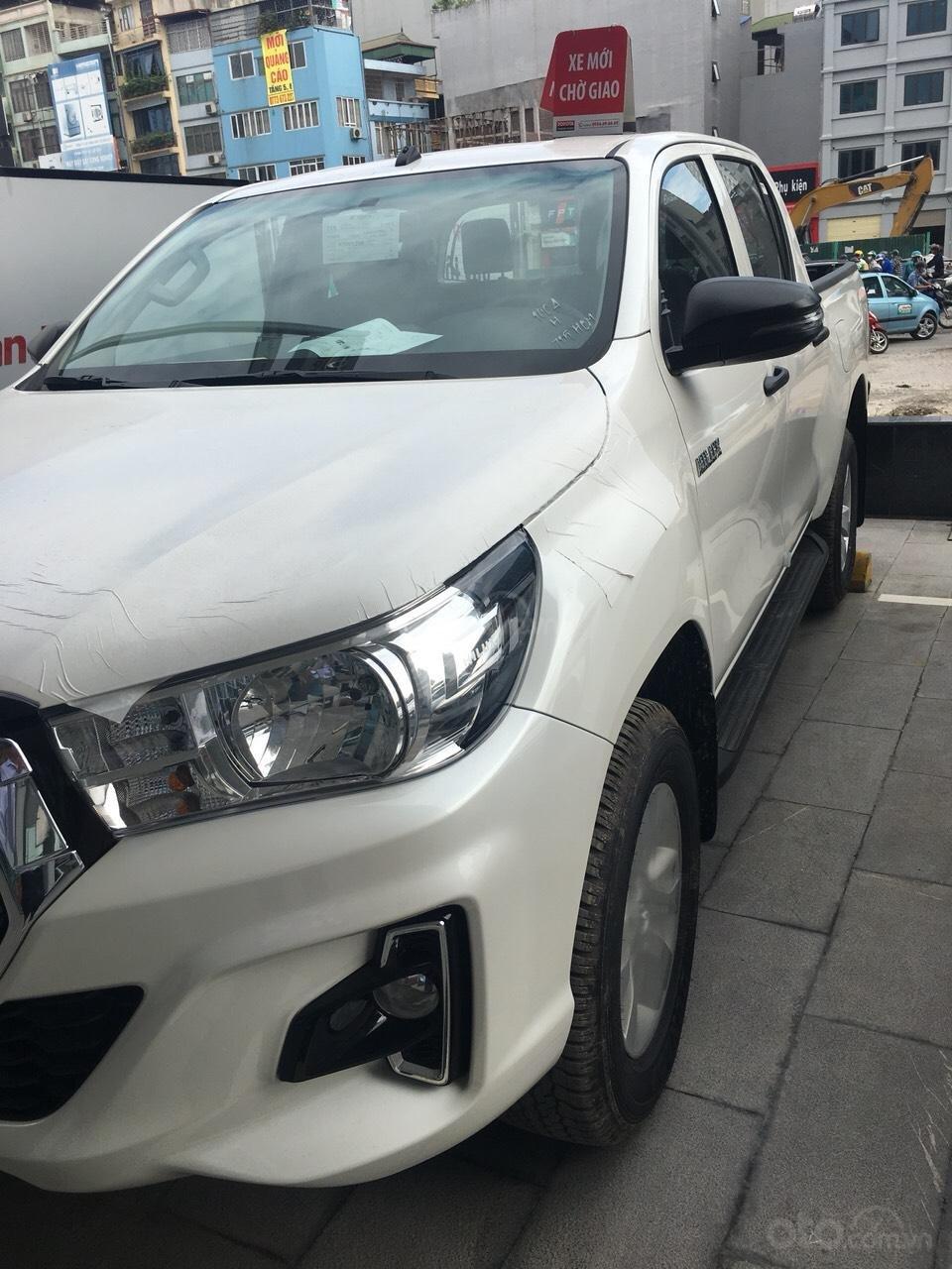 Mua bán Toyota Hilux giá rẻ nhất, giảm ngay tiền mặt, tặng phụ kiện, hỗ trợ trả góp 80%, LH: 0945 446 186 (2)
