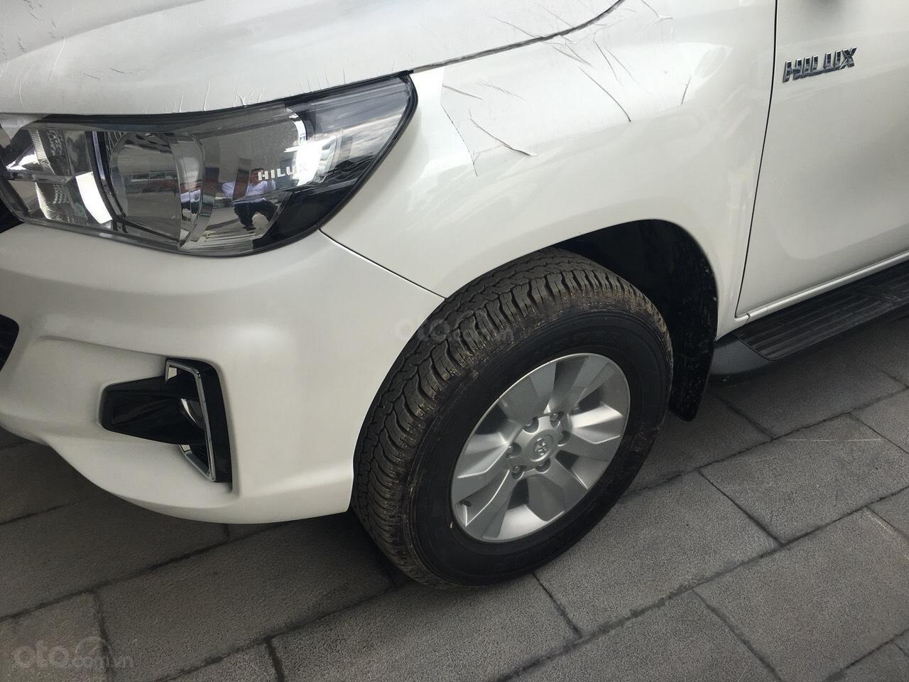 Mua bán Toyota Hilux giá rẻ nhất, giảm ngay tiền mặt, tặng phụ kiện, hỗ trợ trả góp 80%, LH: 0945 446 186 (9)