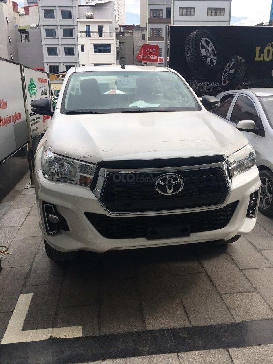 Mua bán Toyota Hilux giá rẻ nhất, giảm ngay tiền mặt, tặng phụ kiện, hỗ trợ trả góp 80%, LH: 0945 446 186 (1)