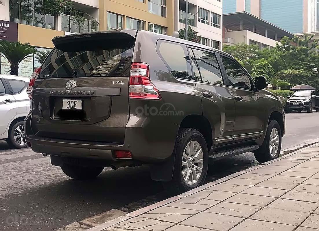 Bán ô tô Toyota Land Cruiser đời 2017, màu nâu, nhập khẩu nguyên chiếc, xe gia đình (3)
