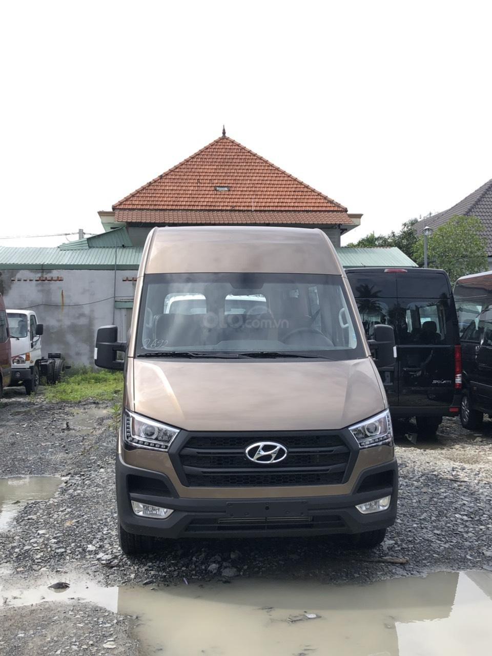 Bán xe Hyundai Solati 2019, đủ màu (3)
