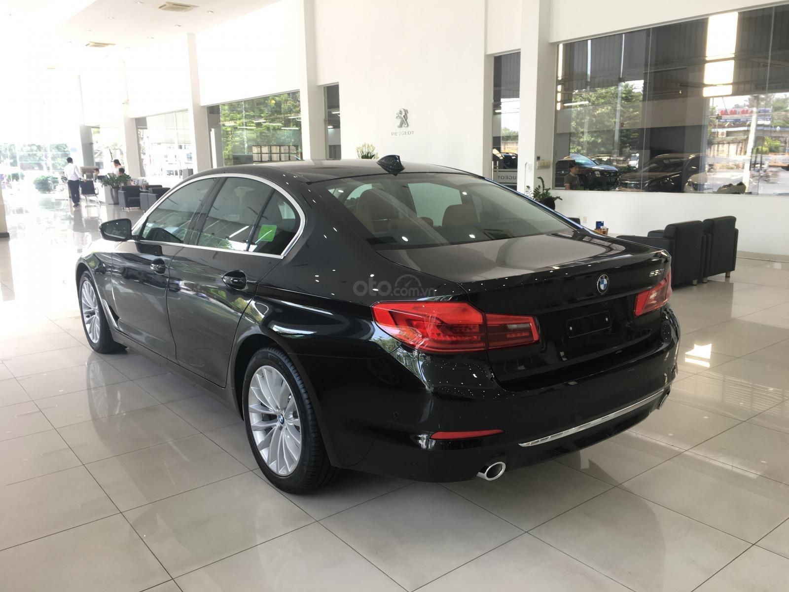 Siêu ưu đãi BMW 530i - Tặng 170 triệu tiền mặt - Xe nhập nguyên chiếc từ Đức (2)