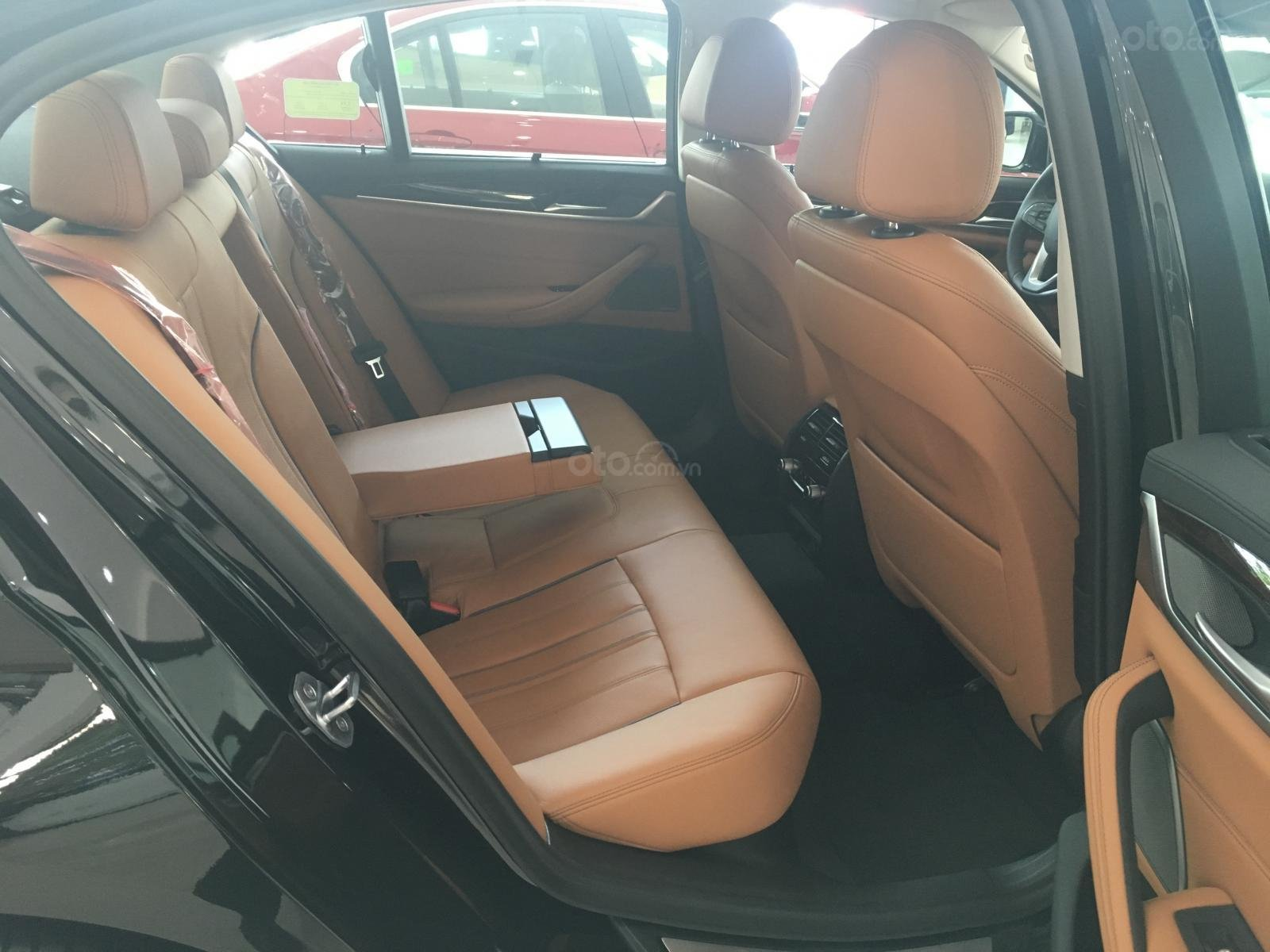 Siêu ưu đãi BMW 530i - Tặng 170 triệu tiền mặt - Xe nhập nguyên chiếc từ Đức (8)