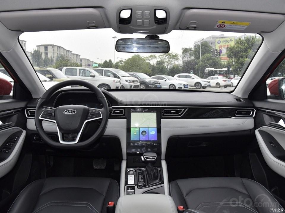 Xe Volkswagen Trung Quốc JAC Refine A5 có nội thất tao nhã nhưng tiện nghi