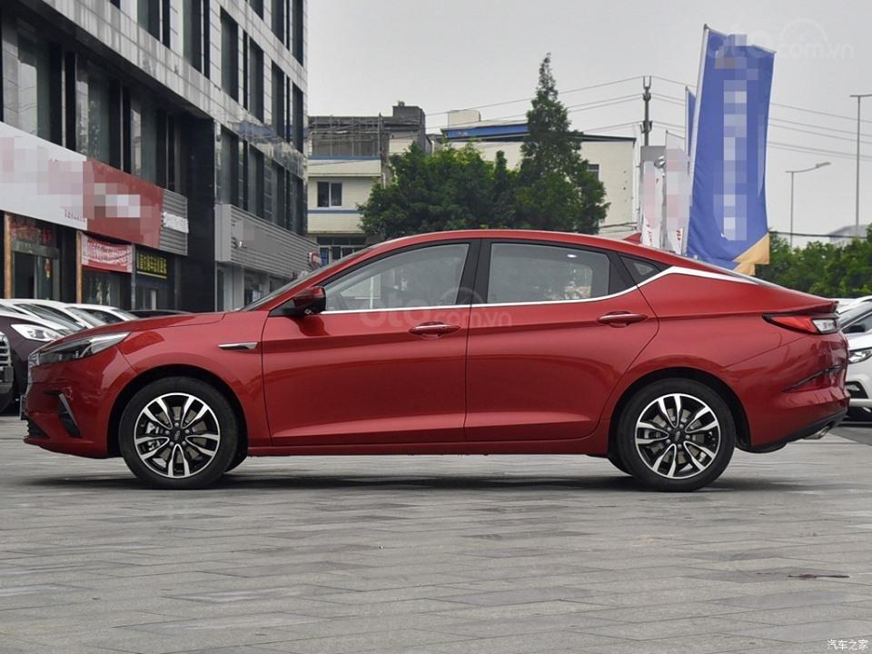 Xe Volkswagen Trung Quốc JAC Refine A5 bắt mắt