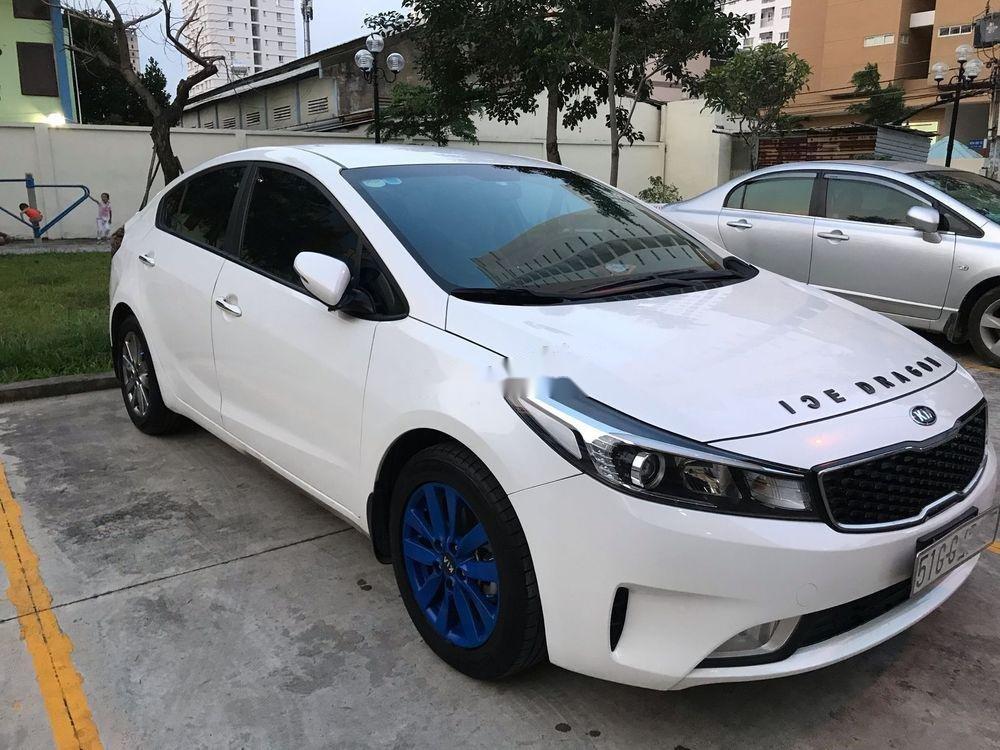 Bán Kia Cerato sản xuất 2017, màu trắng, xe gia đình (3)