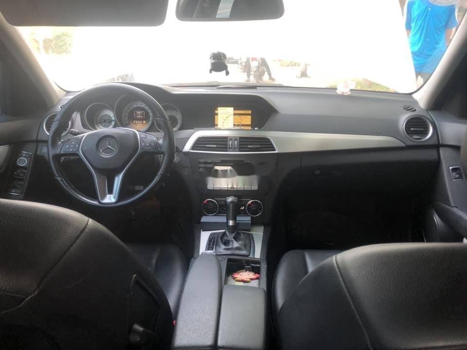 Cần bán Mercedes C200 năm sản xuất 2012, nhập khẩu (3)