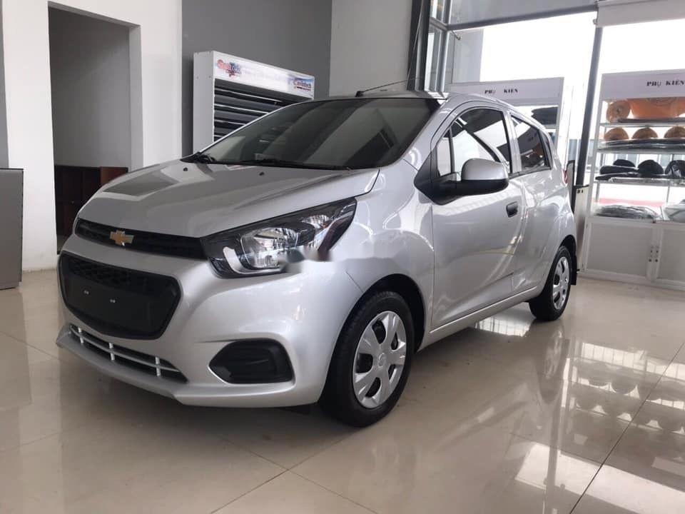 Cần bán Chevrolet Spark Duo 1.2L đời 2018, màu bạc như mới (2)