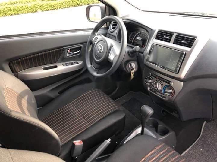 Bán Toyota Wigo sản xuất 2019, màu bạc (2)