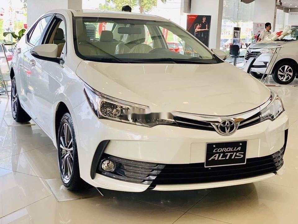 Bán Toyota Corolla Altis đời 2019, màu trắng, mới 100% (4)