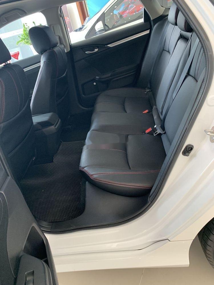 Bán Honda Civic 1.8E năm 2019, nhập khẩu, giá tốt (4)