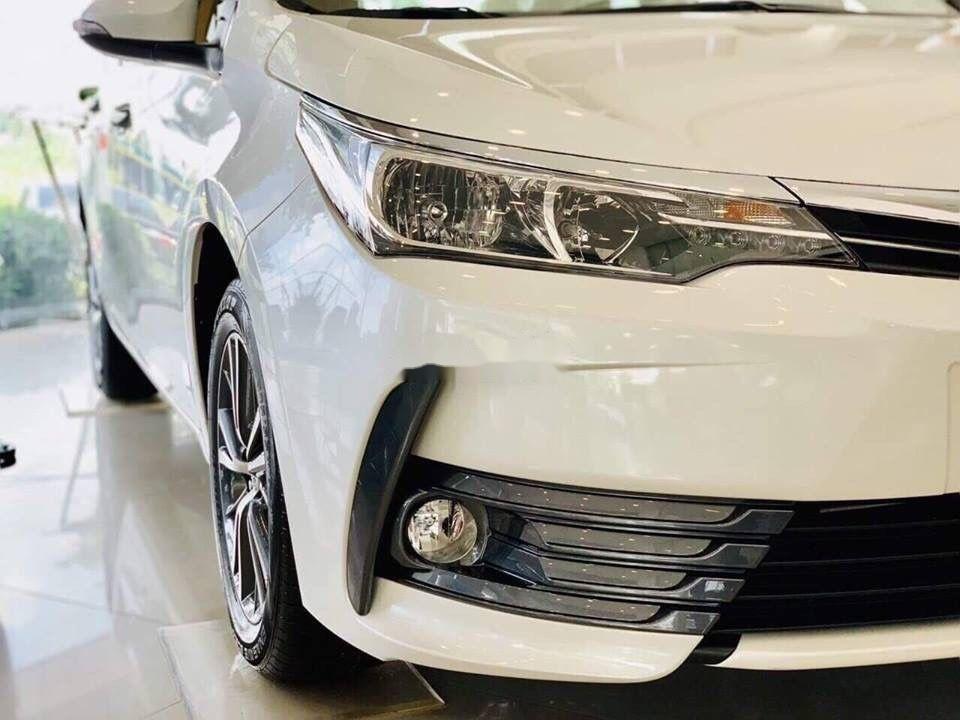 Bán Toyota Corolla Altis đời 2019, màu trắng, mới 100% (2)