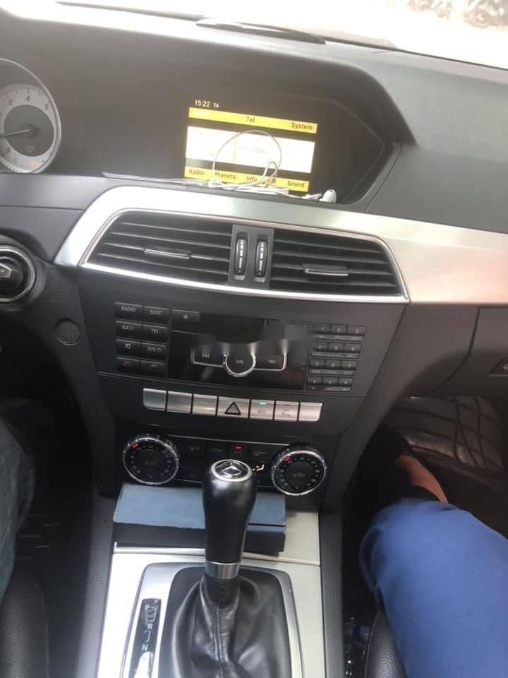 Cần bán Mercedes C200 năm sản xuất 2012, nhập khẩu (4)