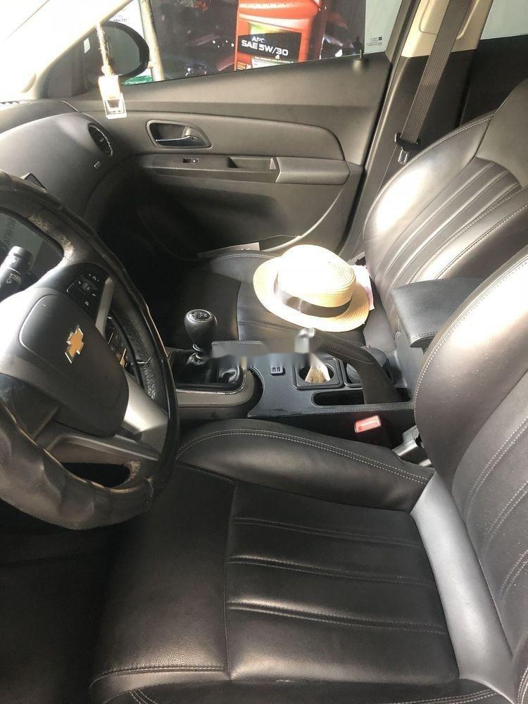 Cần bán lại Chevrolet Cruze sản xuất năm 2017, màu trắng (7)