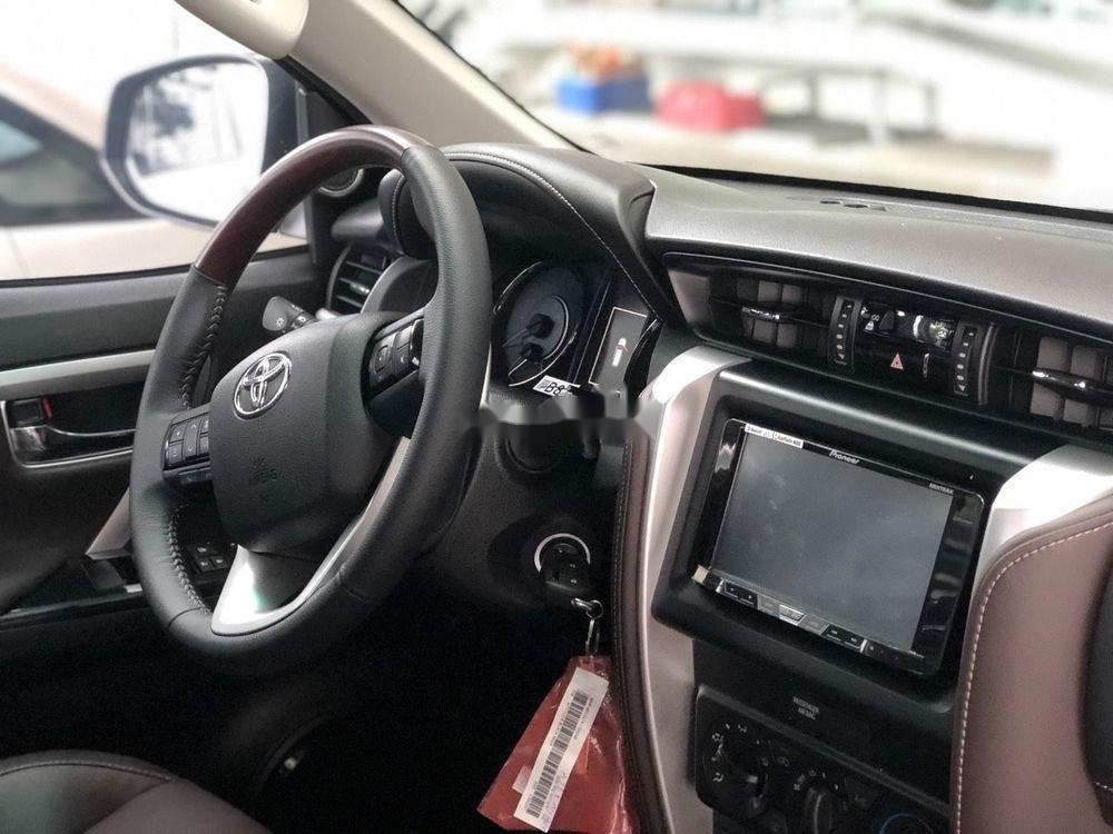 Bán xe Toyota Fortuner sản xuất 2019 giá cạnh tranh (5)