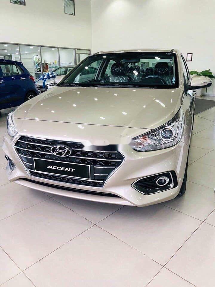 Cần bán xe Hyundai Accent 2019, màu bạc (3)