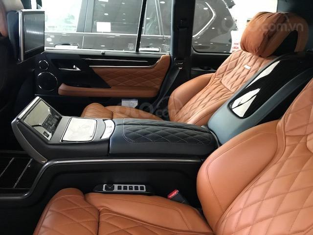 Lexus LX570 Autobiography MBS 4 ghế massage màu trắng, nội thất nâu da bò, model 2020 mới nhất (5)