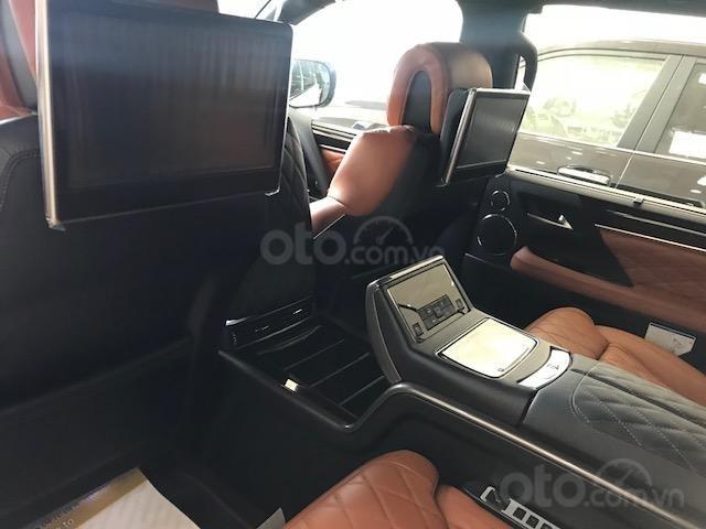 Lexus LX570 Autobiography MBS 4 ghế massage màu trắng, nội thất nâu da bò, model 2020 mới nhất (7)