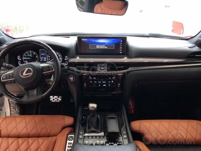 Lexus LX570 Autobiography MBS 4 ghế massage màu trắng, nội thất nâu da bò, model 2020 mới nhất (8)