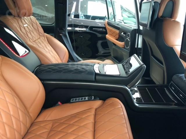 Lexus LX570 Autobiography MBS 4 ghế massage màu trắng, nội thất nâu da bò, model 2020 mới nhất (10)
