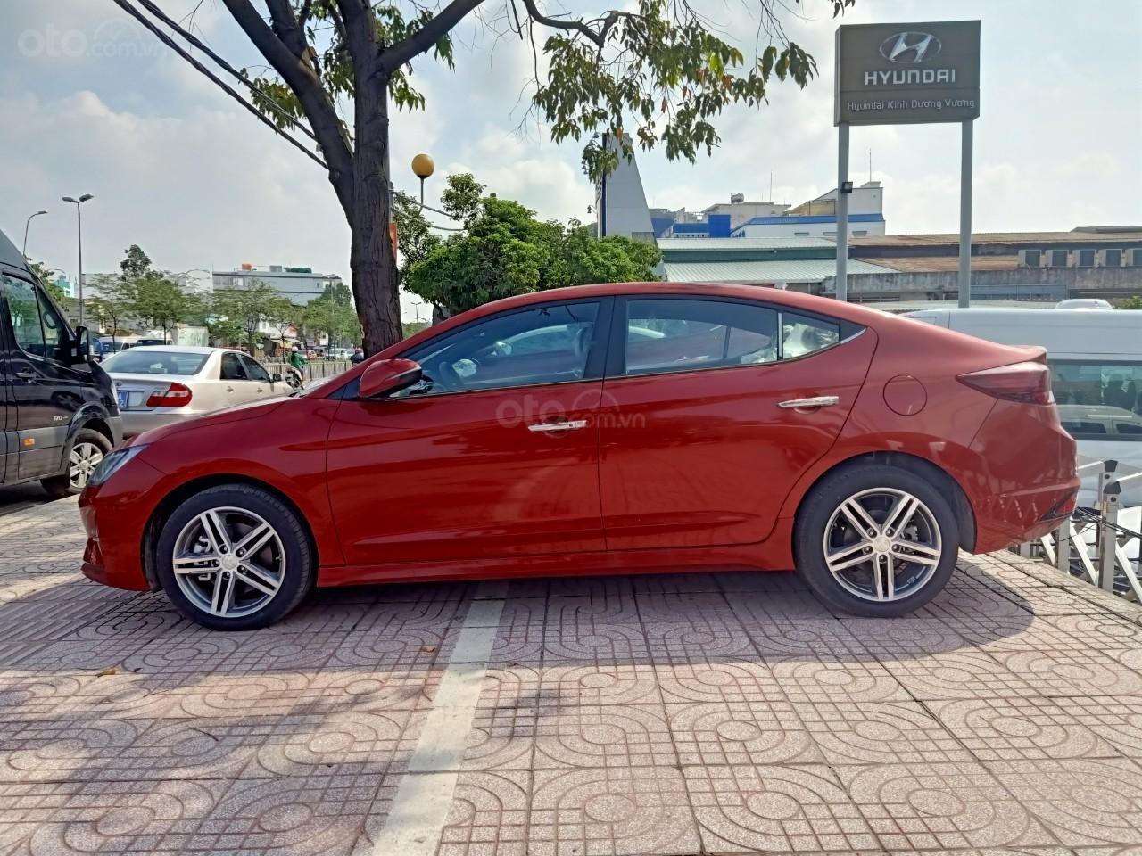 Hyundai Elantra 1.6AT Sport đỏ+ Sale sốc KM 40 triệu+ xe giao ngay (4)