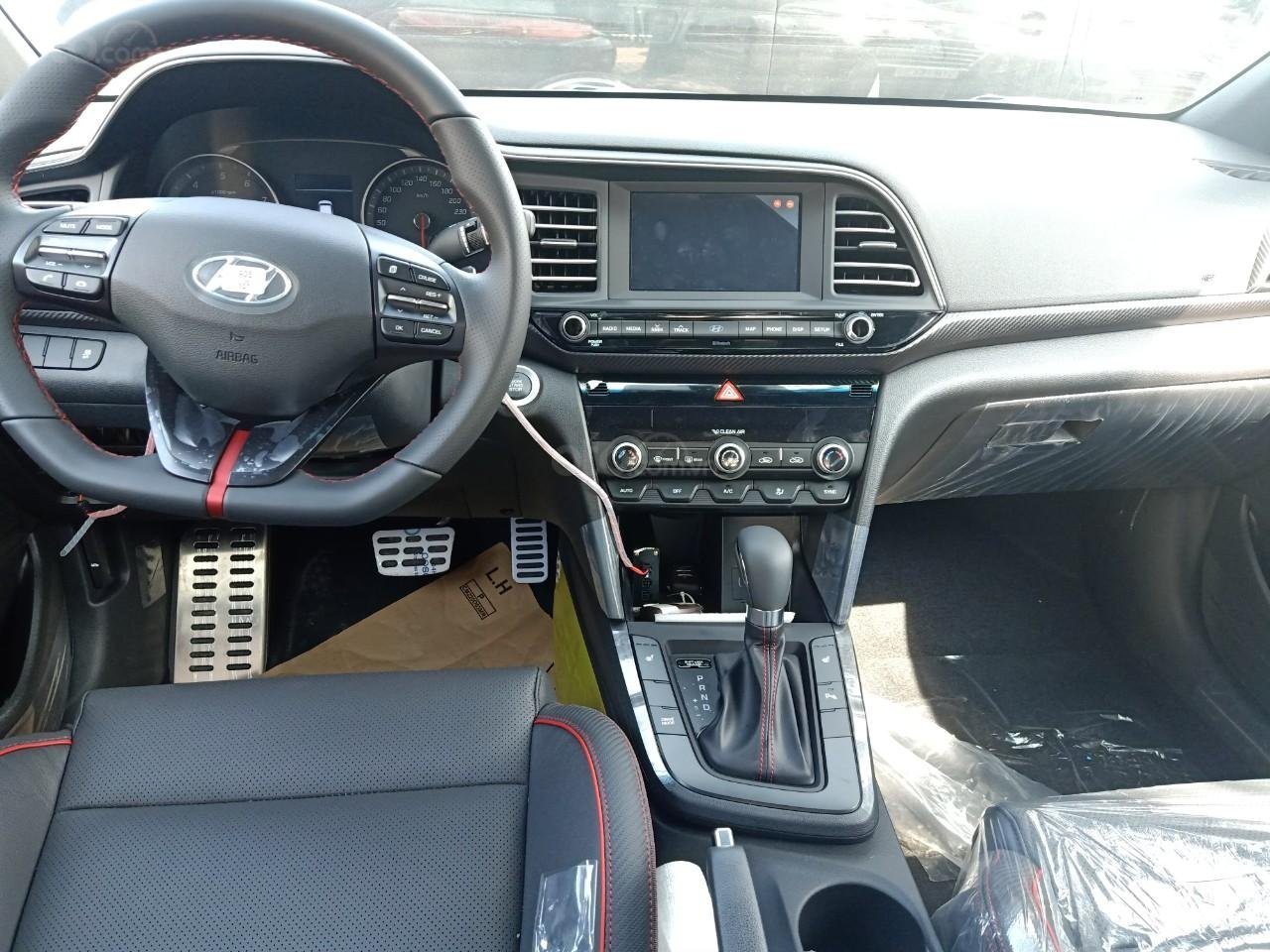 Hyundai Elantra 1.6AT Sport đỏ+ Sale sốc KM 40 triệu+ xe giao ngay (9)