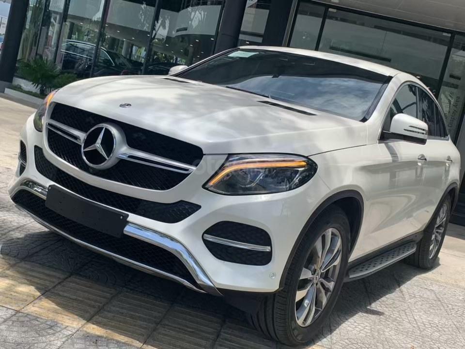 Siêu SUV Mercedes GLE 400 Coupe, nhập khẩu Mỹ, 01 xe duy nhất giảm giá 10% trong tháng 10/2019, xe giao ngay (2)