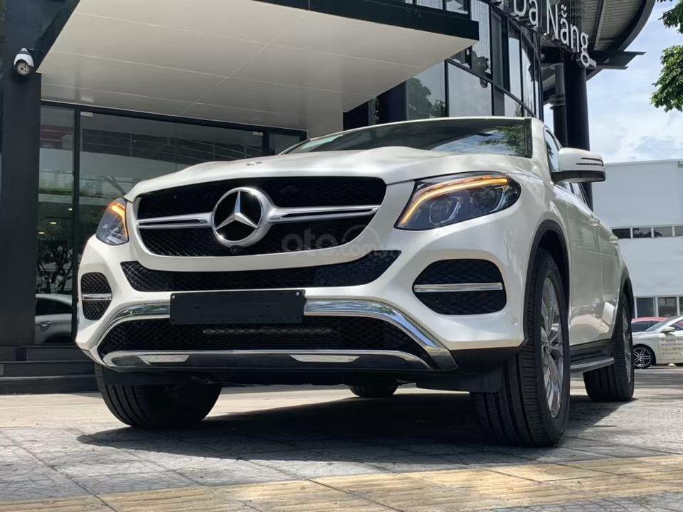 Siêu SUV Mercedes GLE 400 Coupe, nhập khẩu Mỹ, 01 xe duy nhất giảm giá 10% trong tháng 10/2019, xe giao ngay (4)