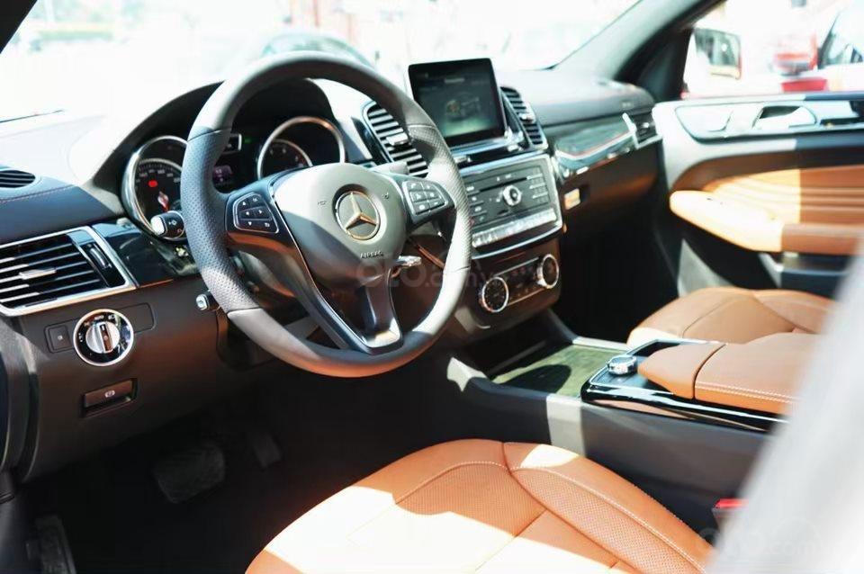 Siêu SUV Mercedes GLE 400 Coupe, nhập khẩu Mỹ, 01 xe duy nhất giảm giá 10% trong tháng 10/2019, xe giao ngay (6)