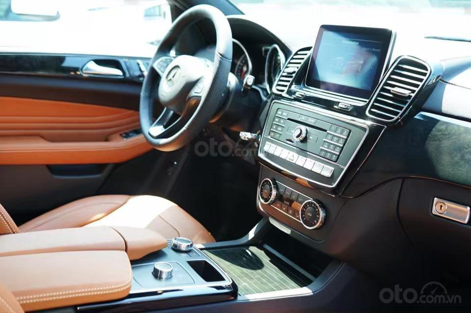 Siêu SUV Mercedes GLE 400 Coupe, nhập khẩu Mỹ, 01 xe duy nhất giảm giá 10% trong tháng 10/2019, xe giao ngay (7)